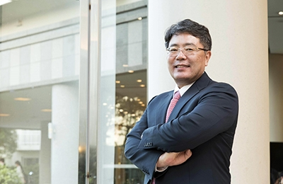 Professor Sung H. Han Receives the IEA Fellowship