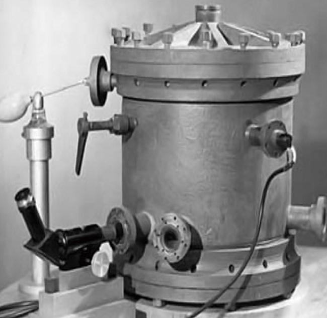기름방울 실험 기구 겉 모습